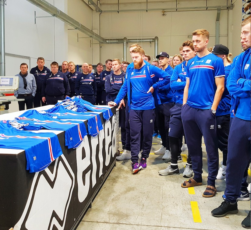 Iceland's National Football team visits Parma and receives a warm welcome from the Tardily Stadium and its sponsor Erreà!