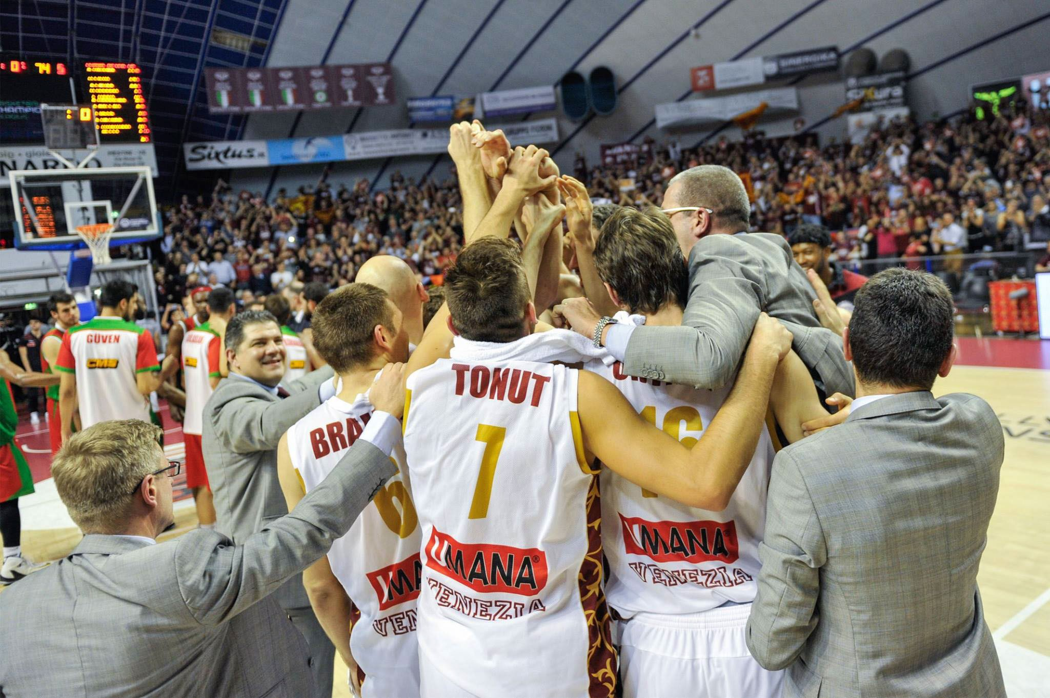The historic Reyer Venezia team lands in the Final Four of the Champions League!